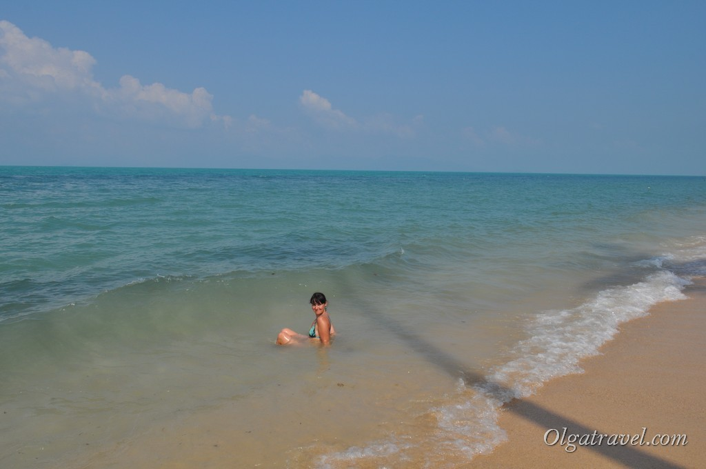 Бирюзовое море и желтый песок