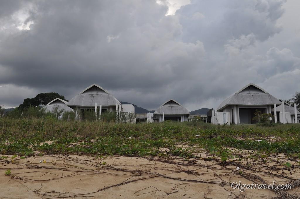 Стройка новых вилл на Маенаме