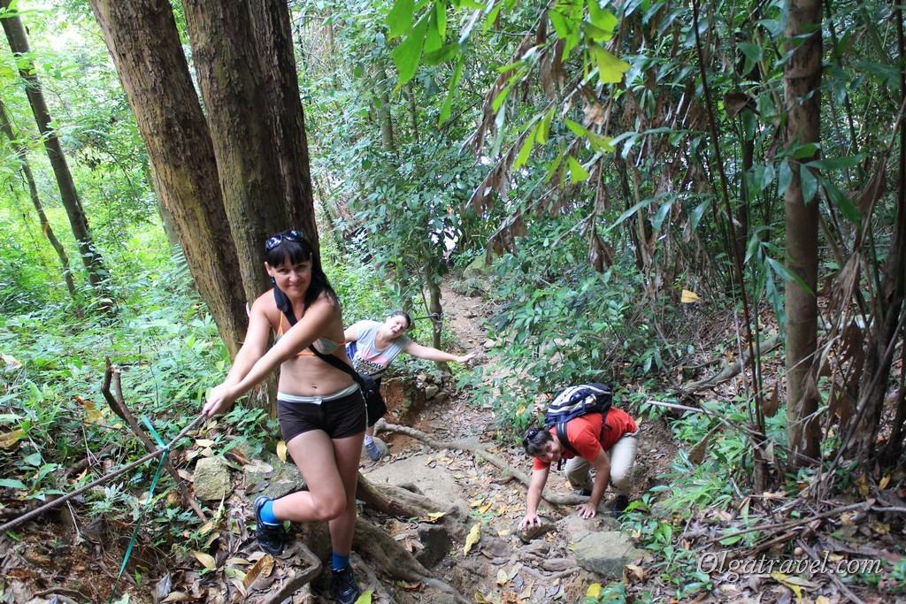 Путь к самому верху водопада Намуанг 2