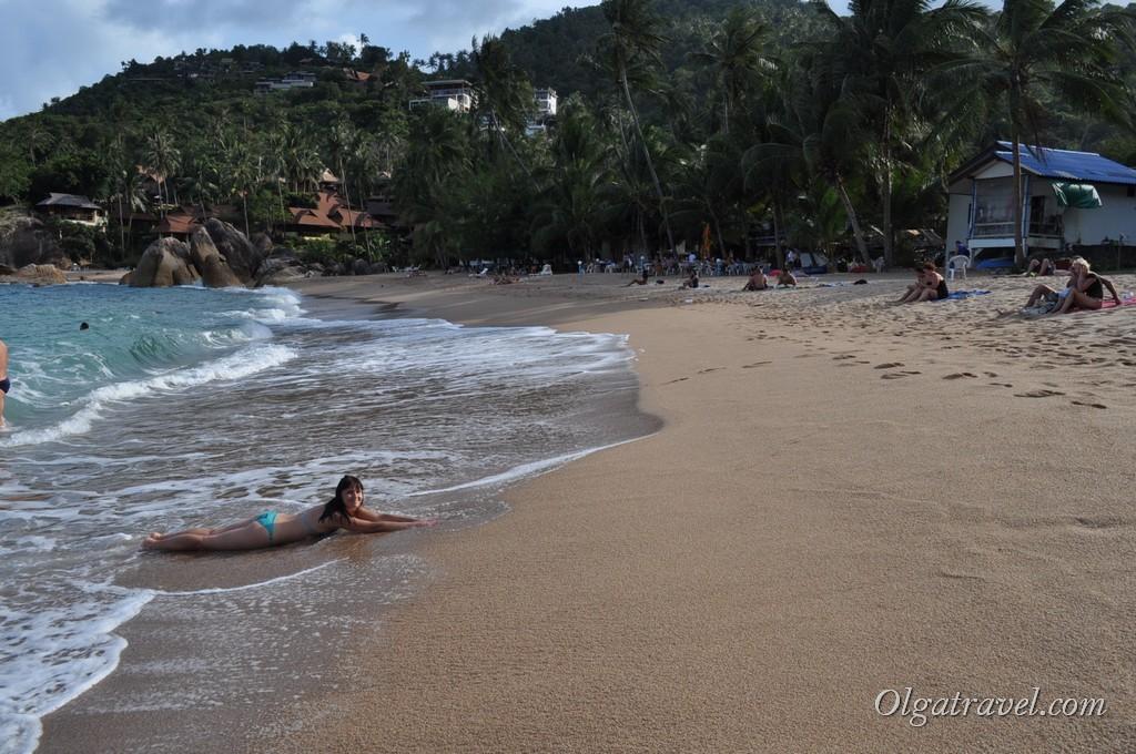 Приятные волны на пляже Coral Cove