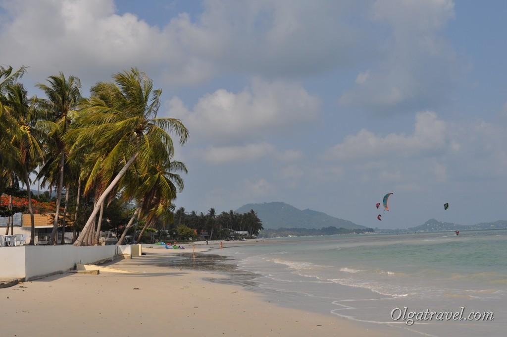 Шикарный белый песок и мелкое море на пляже Orchid Resort