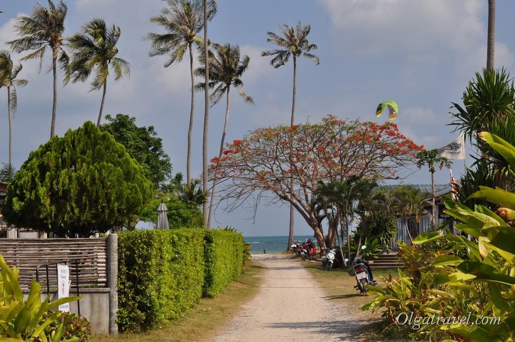 Проход на пляж через отель Orchid Resort