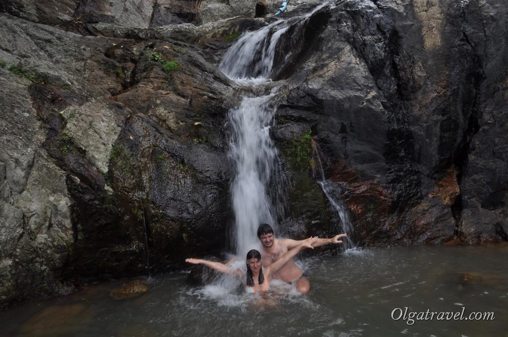 Купание в прохладном водопаде Намуанг 2