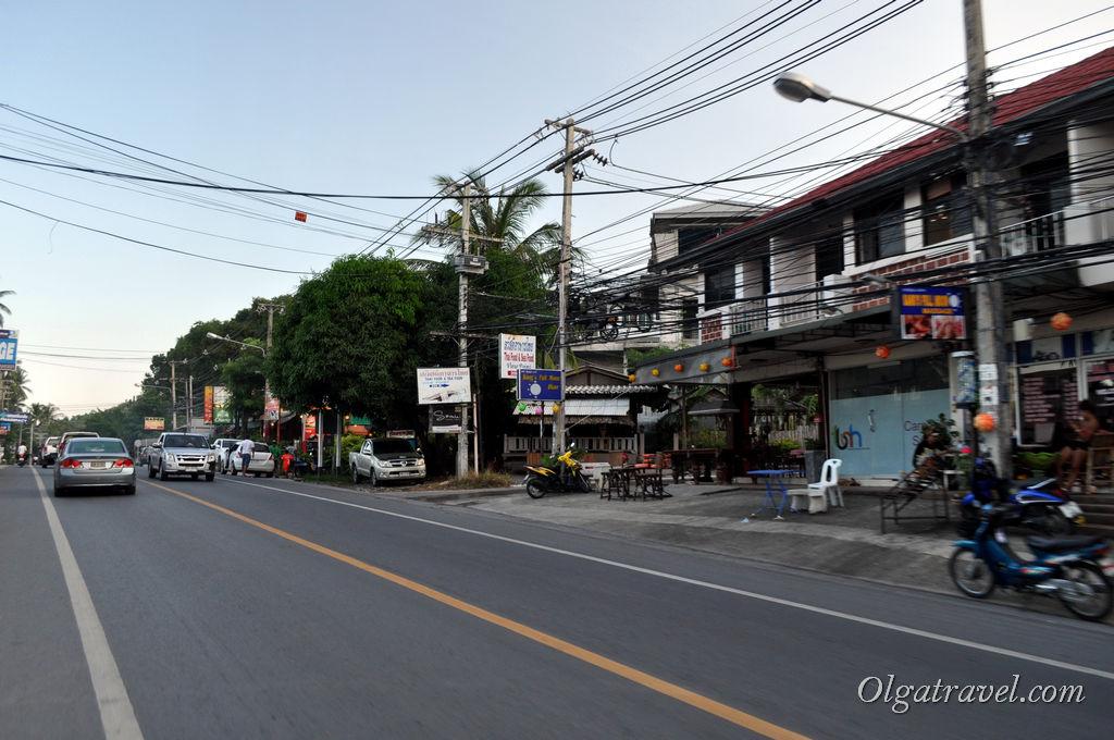 Samui_Chaweng_Noi_Beach_road_2