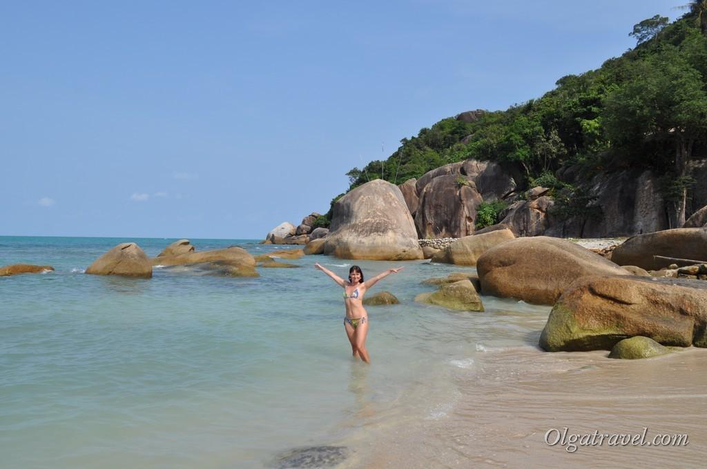 Живописные камни на пляже Кристал Бей (Сильвер бич) Самуи