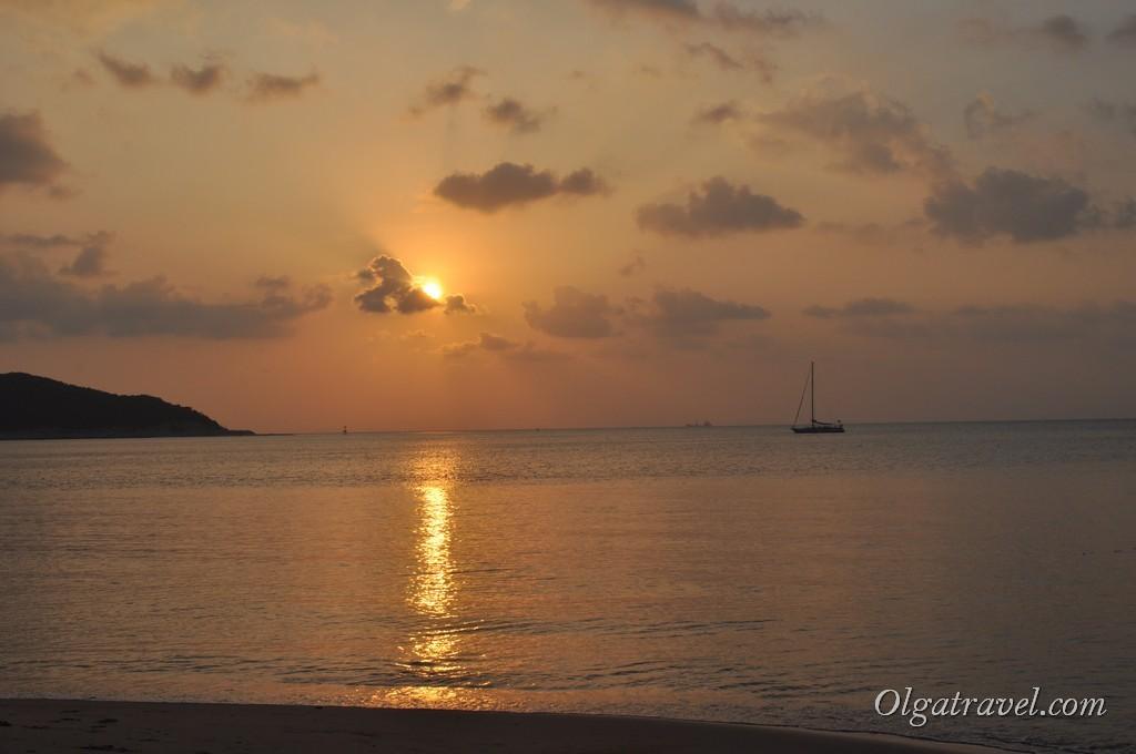 Закат на пляже Липа Ной