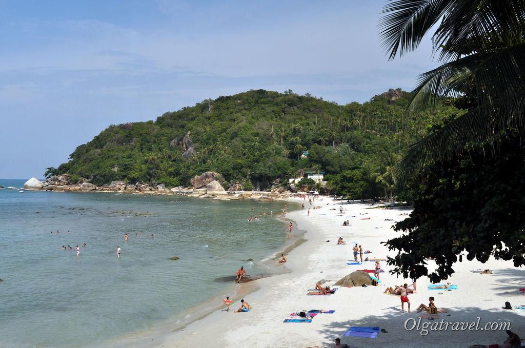 Очень красивый пляж в тихой бухте