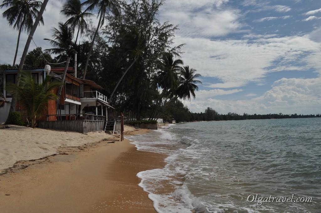Пляж в октябре