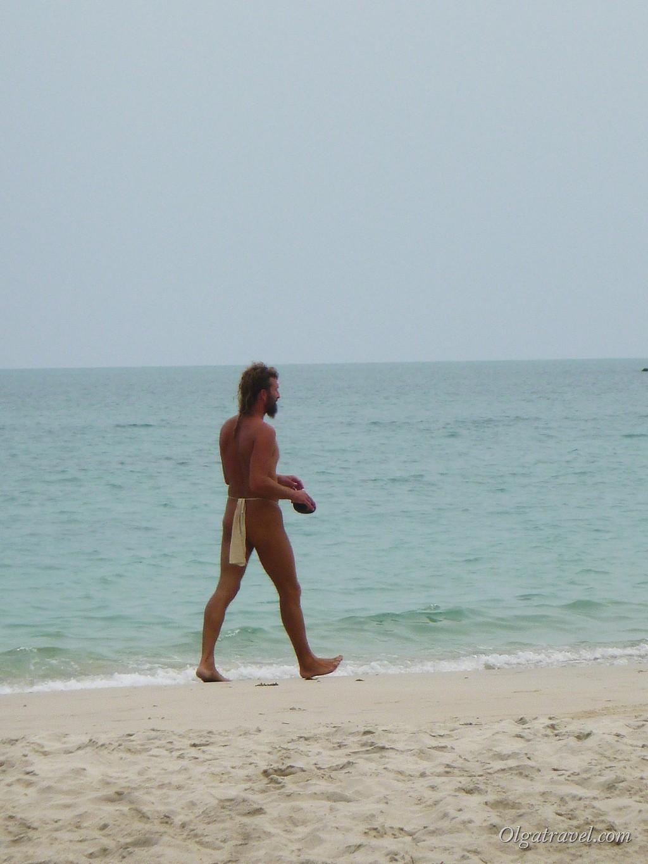 Интересная пляжная одежда у йога:)