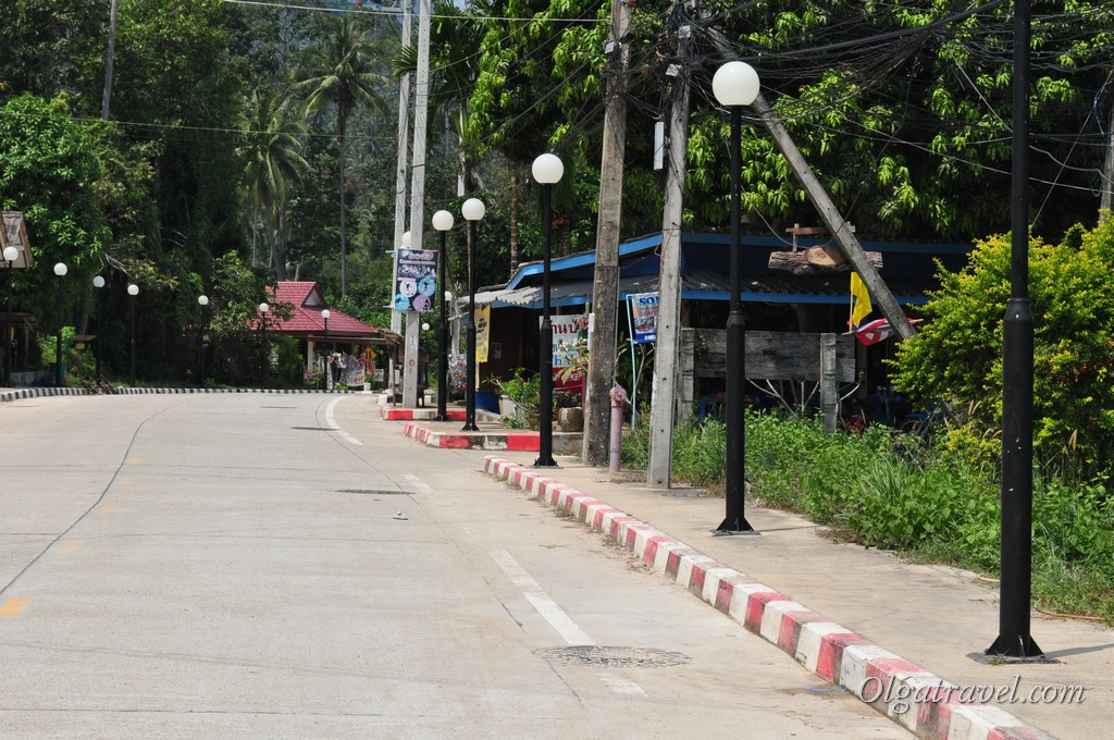 Thong Nai Pan road 3