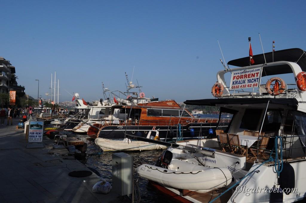 Яхты в районе Bebek