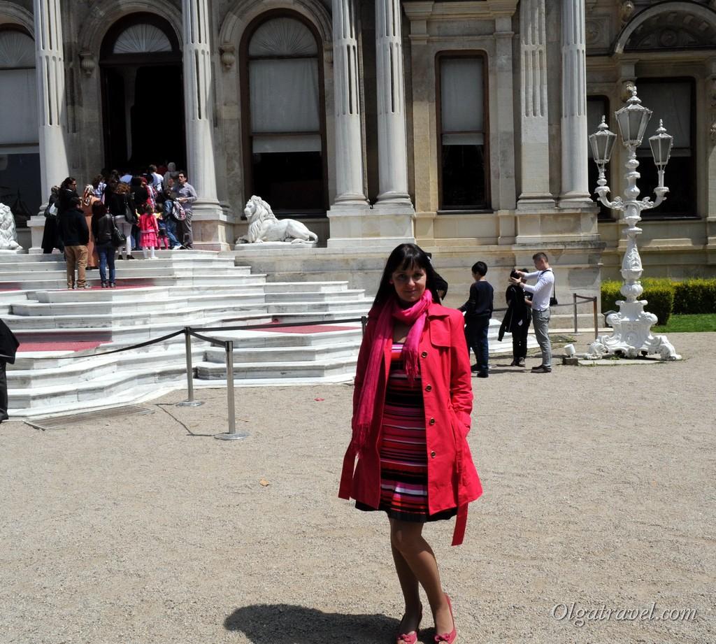 Ждем когда начнется экскурсия во дворец