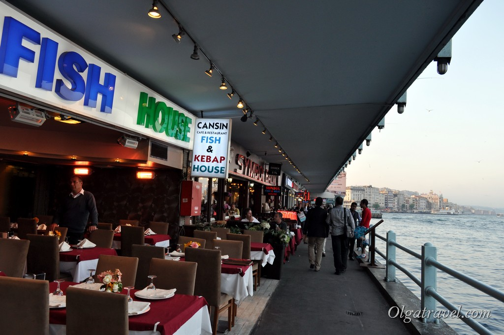 Galata Bridge cafe