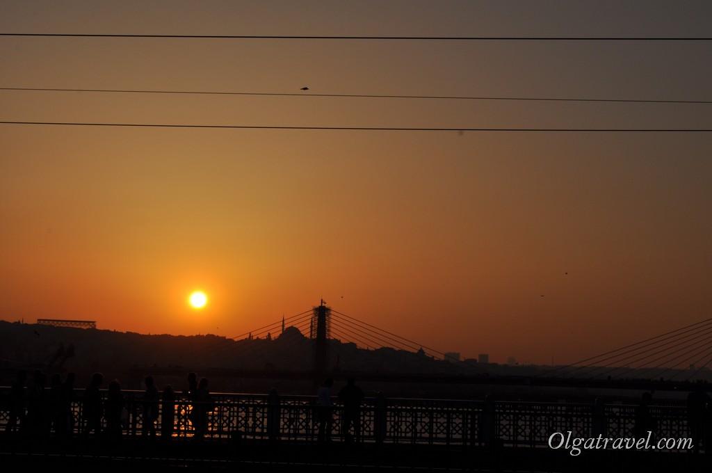Наблюдаем закат с Галатского моста
