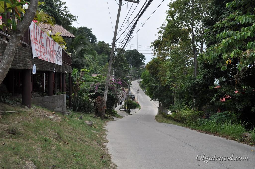 Дорога, параллельная пляжу Наад Яо