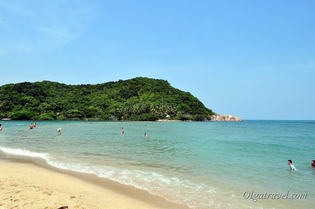 Вид в другую сторону пляжа - на юг