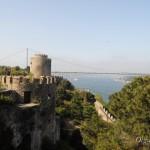 Крепость Румели Хисары над Босфором в Стамбуле