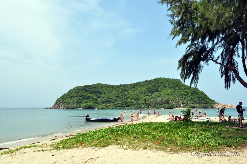 пляж Mae Haaad и островок Kho Ma возле него