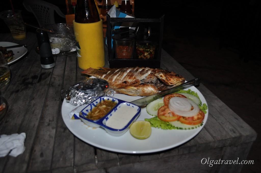 Очень вкусная рыба в ресторане отеля по 200 бат