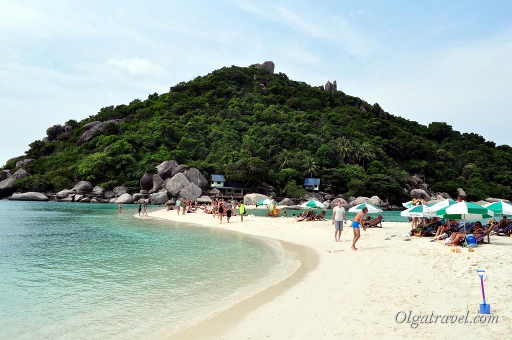 Вид на нашу часть острова с пляжа