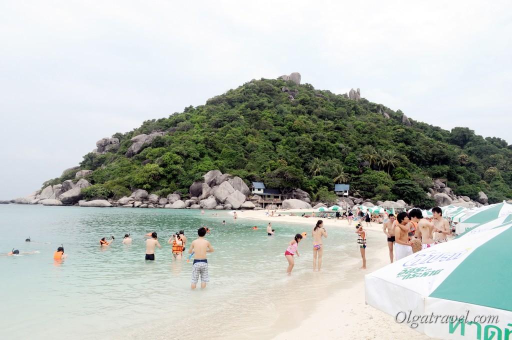 А вот столько людей на Нанг Юане в 2013 году...