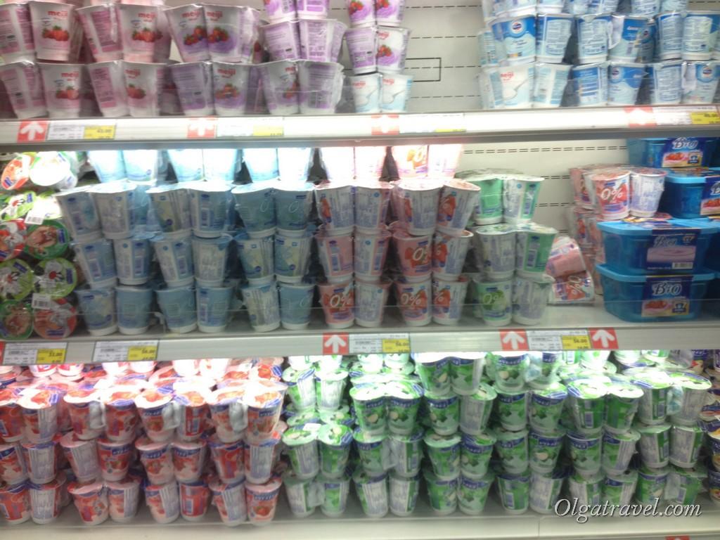 Йогурты. Брали часто - это был мой завтрак:) 4 штуки - 56 бат