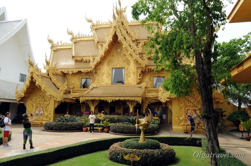Chiang_Rai_White_Temple-23