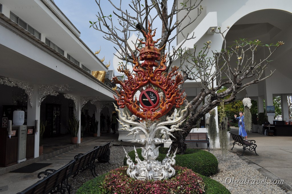 Chiang_Rai_White_Temple-8