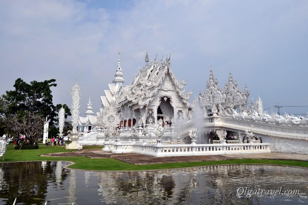 Знаменитый Белый храм - Ват Ронг Кхунг возле Чианг Рая