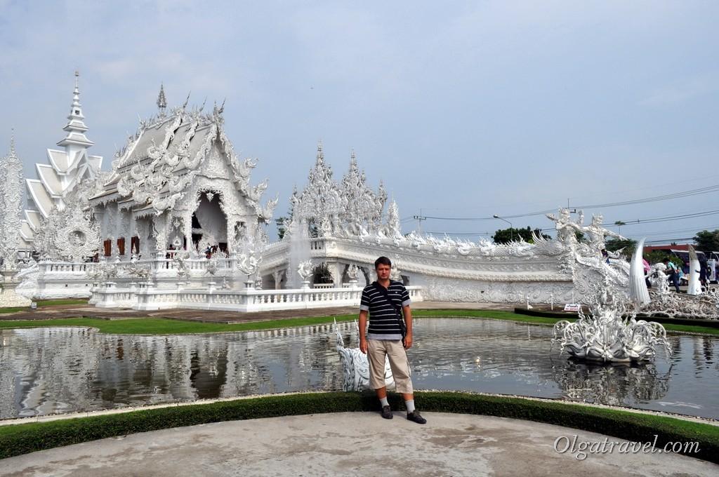 Chiang_Rai_Wight-Temple_2