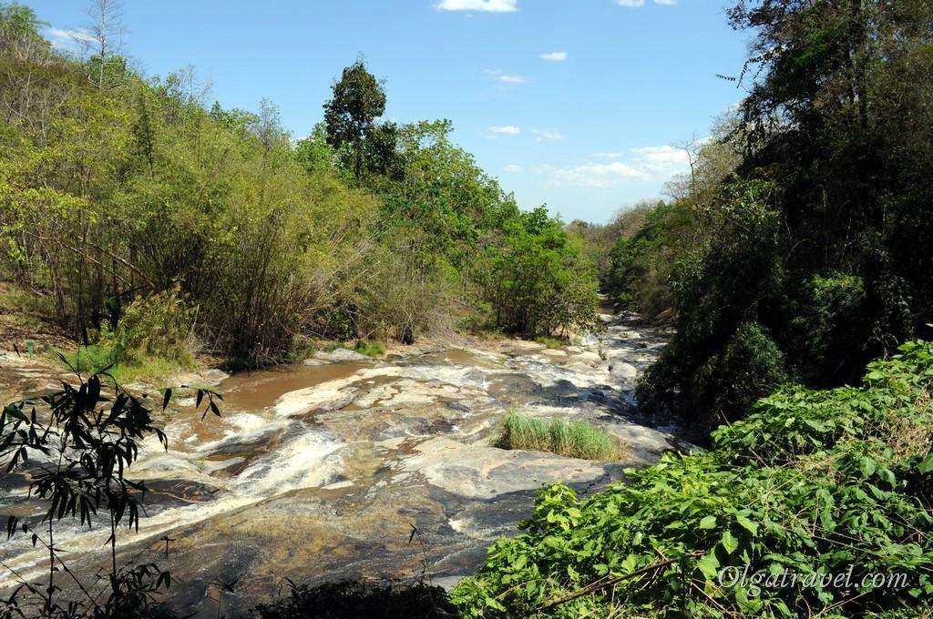 Mae_Ya_Waterfall_10