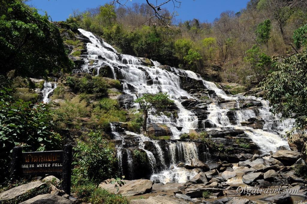 Mae_Ya_Waterfall_3