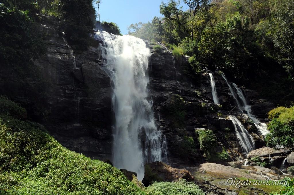 Водопад Wachirathan - самый мощный водопад