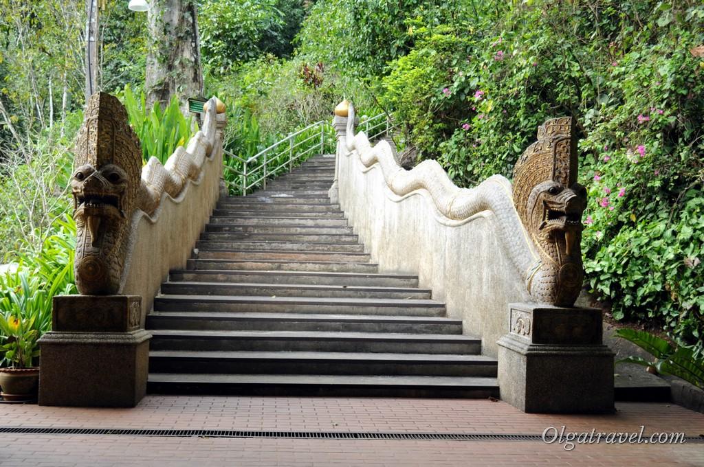 Wat_Tham_Pha_Plong_1