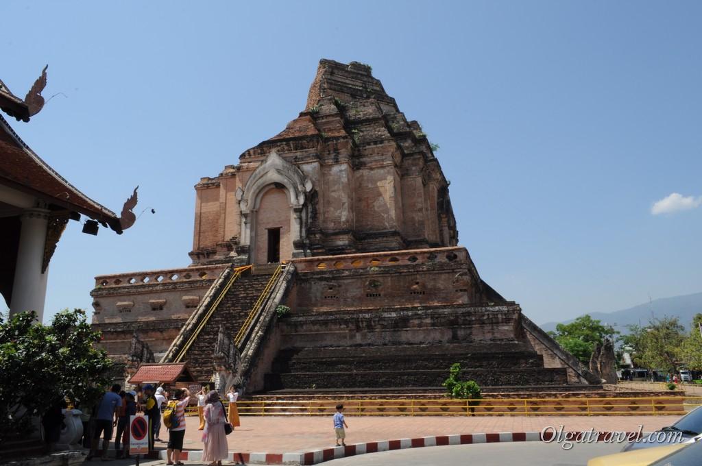 Ват Чеди Лаунг