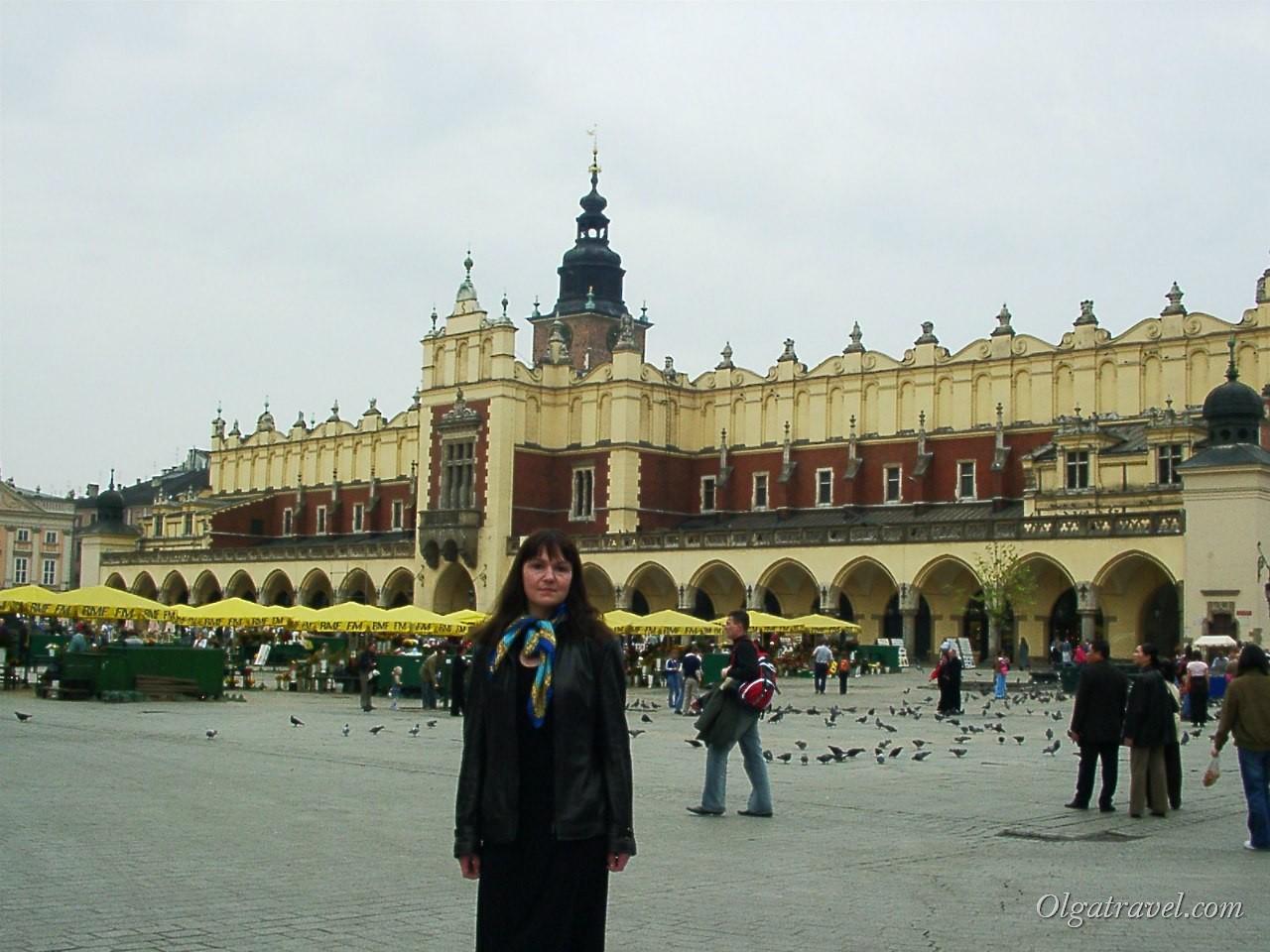 Торговые рядя Сукенницы на площади Рынок в Кракове