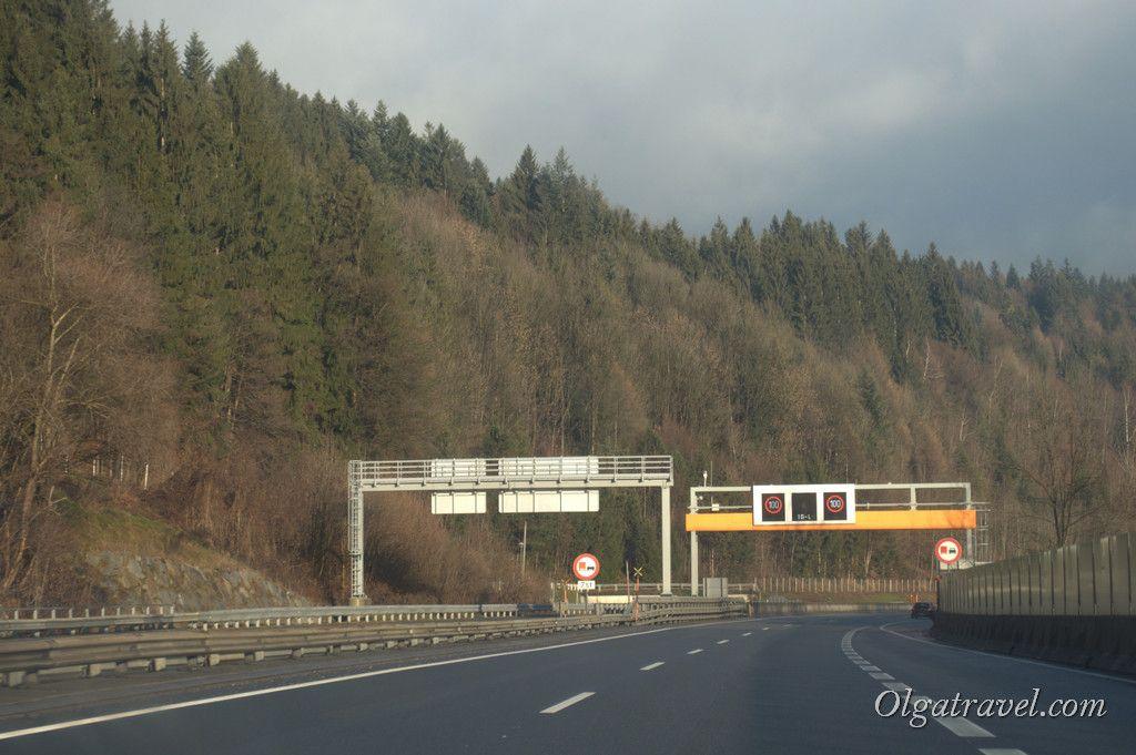 Road_Kramzach_Wien2