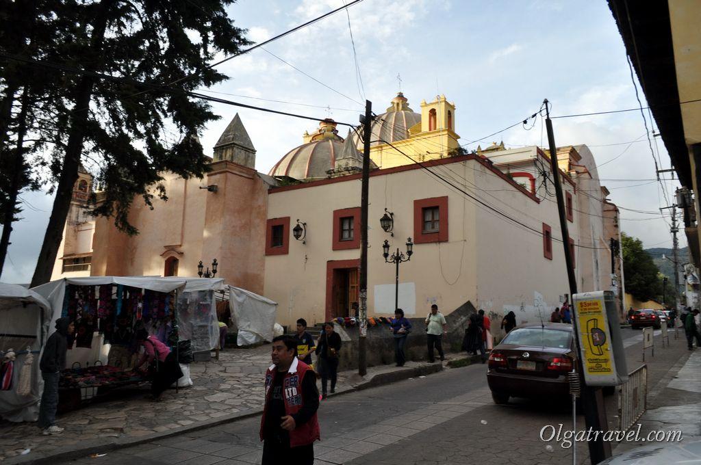 Рынок ремесленников  в Сан-Кристобале