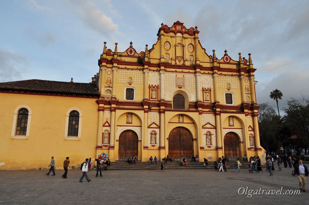 Католический собор Сан-Кристобаль