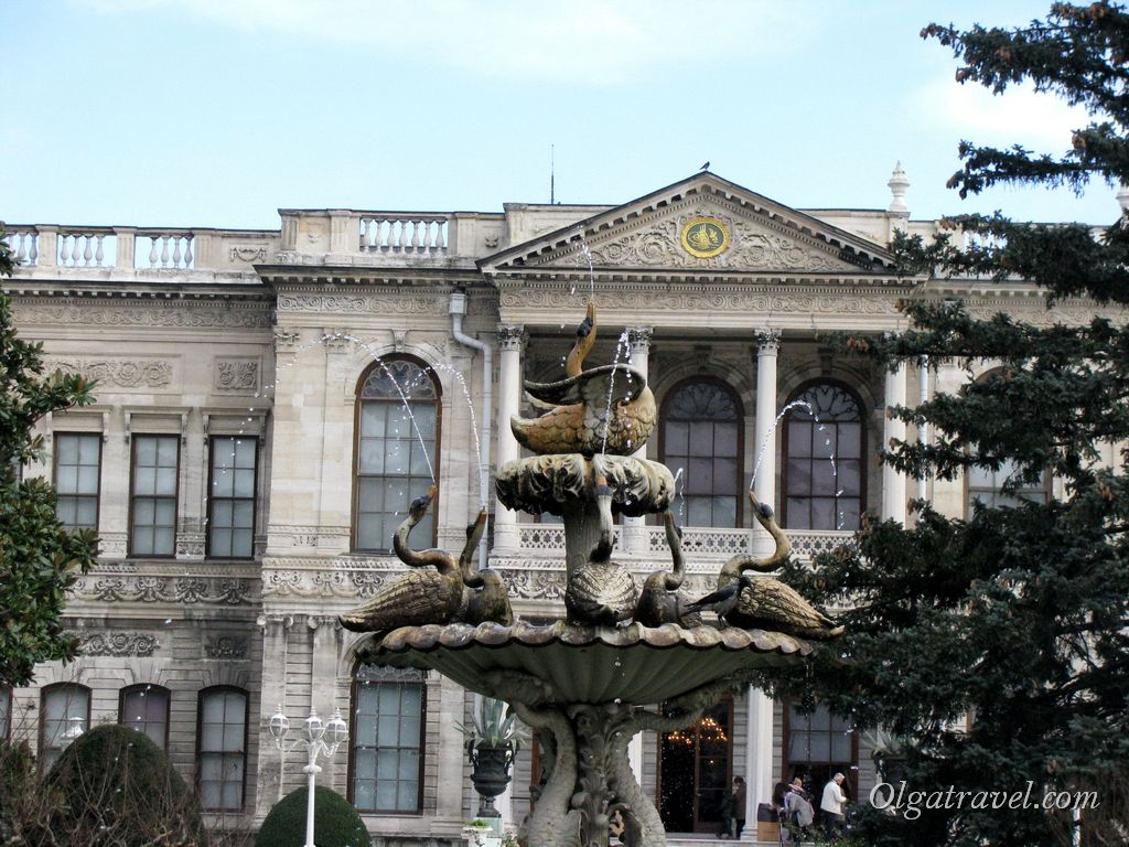 Dolmabahce_Palace_4