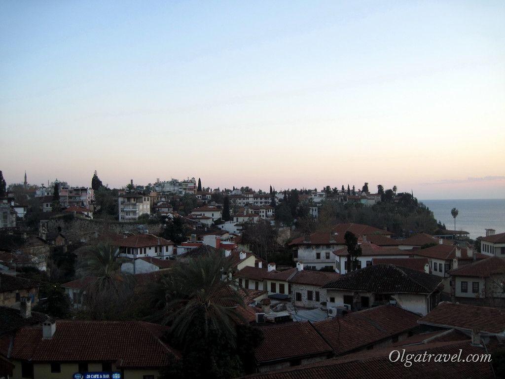 Вид на вечерний старый город