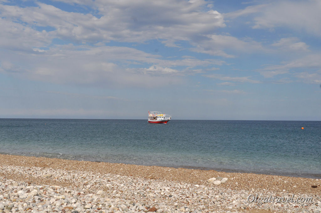 Прозрачное Средиземное море, в котором можно купаться с мая по ноябрь:)