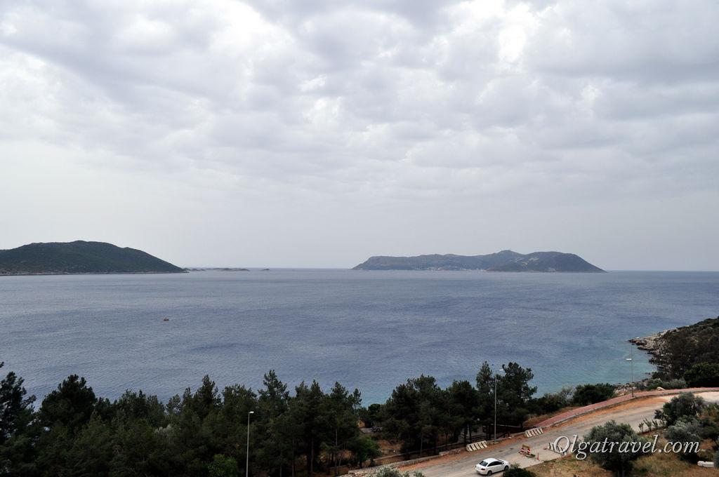 Всего в 7 км от Каша находится греческий остров. У кого есть шенген может сплавать туда на катере