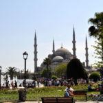 В Турцию самостоятельно или через турфирму?