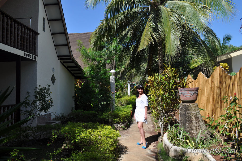Отель Flower Garden Resort  возле пляжа Алона бич