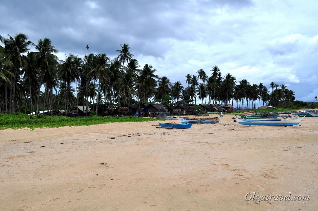 Рядом с пляжем Накпан небольшой поселок