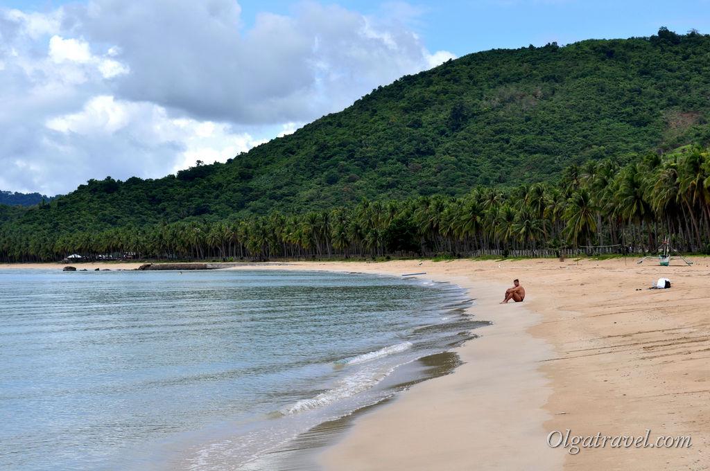 Nacpan Beach очень красивый пляж, удобный заход в море, широкая полоса песка. Людей нет!