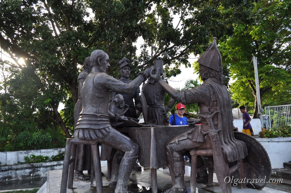 бохол памятник Сандуго