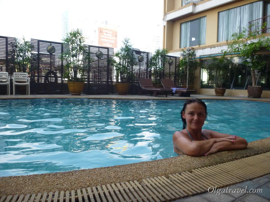 Отмокаю в бассейне Astera Sathorn