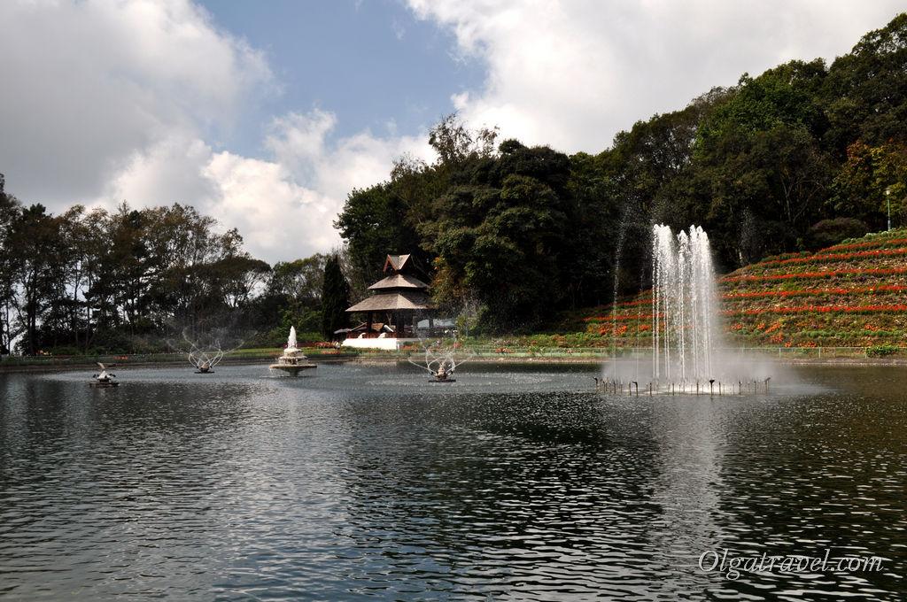 Зимняя резиденция короля Таиланда возле Чианг Мая ...